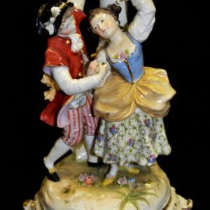 антикварная-фарфоровая-статуэтка-кававалер-с-дамой