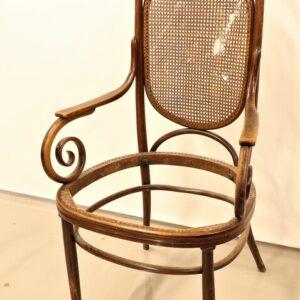 кресло-фабрики-братьев-тоннет-из-дерева-бука