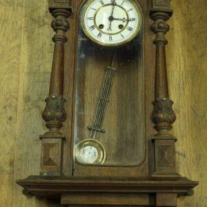 настенные-часы-в-ореховом-корпусе