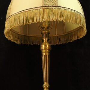 starinnaya-bronzovaya-lampa-19-veka