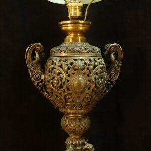 старинная-настольная-лампа-из-шпиатр-19-век