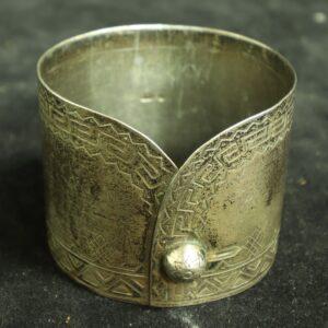 Салфеточное кольцо в русском стиле в виде манжета, Россия, 19 век, серебро, 84 проба